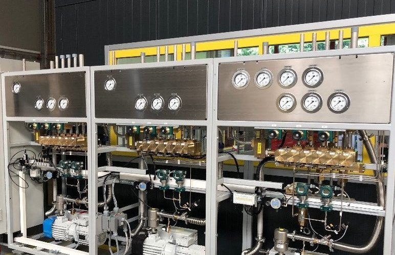 Semi-automatic-Cylindr-Filling-skid-3-x-modules-in-one-skid.jpg